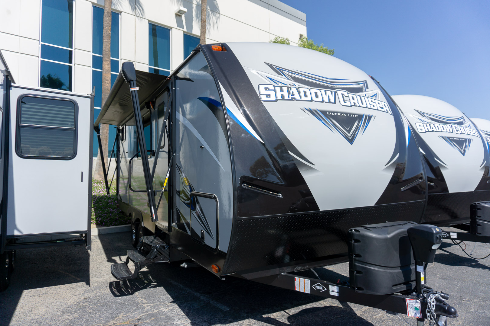 2019 CRUISER RV SHADOW CRUISER ULTRA LITE 220DBS