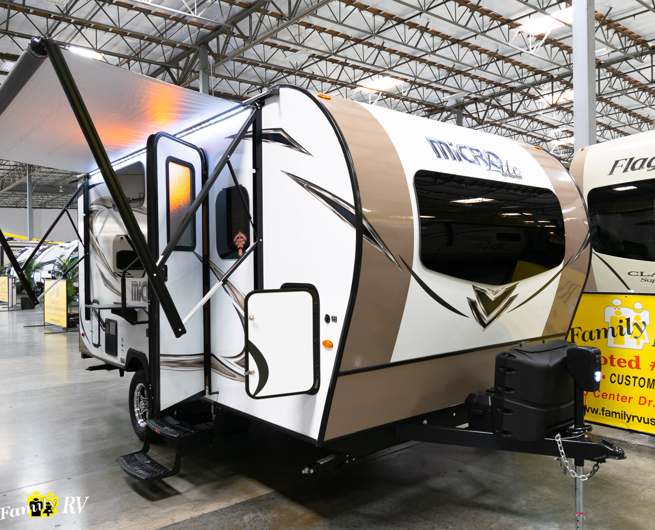 2019 FOREST RIVER FLAGSTAFF MICRO LITE 19FDBH